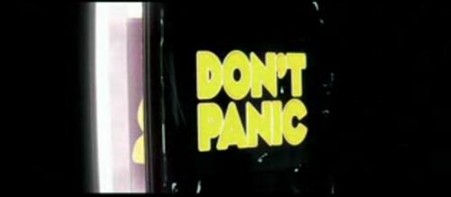 """Come ci ha insegnato Douglas Adams: """"Niente panico"""". Anche se i venditori di ebook reader bussano alla porta"""